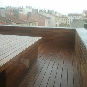 Terrasse d'immeuble après